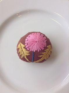 刺繍ブローチ07 hanatama