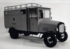 Elektro-Paketzustellwagen Bergmann der Reichspost,1925, Modell 1:10, BEM 2500 Paketzustell-Wagen mit Elektromotor, gebaut zwischen 1922 & 1927, Leistung: 20 PS, Geschwindigkeit: 20 km/h, Nutzlast: 2,5t, Reproduktion: Verkehrsmuseum Dresden