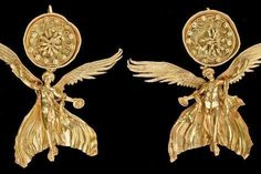 size: Photographic Print: Early Hellenistic Gold Earrings with Nike : Fine Art Turquoise Jewelry, Gold Jewelry, Jewelery, Vintage Jewelry, Bulgaria, Greek Jewelry, Egypt Jewelry, Tropical Art, Ancient Jewelry