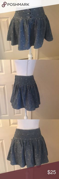 Ralph Lauren Denim & Supply Skater Skirt Awesome Ralph Lauren Denim & Supply skater skirt.  3 button closure at waist with skirt that flares out.  Chambray material (I.e. - not stiff Denim) with embroidered anchor pattern.  See pictures for measurements.  Great used condition!  Skirt is too big for mannequin- clipped on in the pictures Denim & Supply Ralph Lauren Skirts Circle & Skater