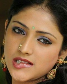 Most Beautiful Indian Actress, Beautiful Actresses, Beauty Full Girl, Beauty Women, Hollywood Actress Wallpaper, Bridal Hair Buns, Love Lips, Lip Lacquer, Glamorous Makeup