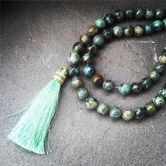 © UN JE NE SAIS QUOI www.unjenesaisquoi.ch Tassel Necklace, Jewellery, Fashion, Bijoux, Moda, Jewels, Jewelry Shop, Fashion Styles, Schmuck