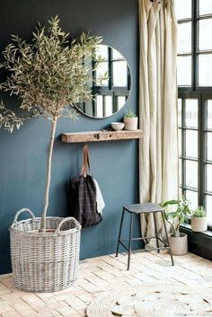 Simple rustic interior design with indoor planting and linen decor – Haus Dekoration Diy Decor Room, Room Decorations, Living Room Decor, Bedroom Decor, Home Decoration, Entryway Decor, Rustic Entryway, Entryway Ideas, Bedroom Ideas
