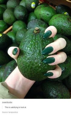 Stunning Designs for Almond Nails You Won't Resist; almond nails long or s.- Stunning Designs for Almond Nails You Won't Resist; almond nails long or short; Matte Nails, Glitter Nails, Gold Glitter, How To Do Nails, Fun Nails, Nailart, Almond Acrylic Nails, Acrylic Nails Green, Dark Green Nails