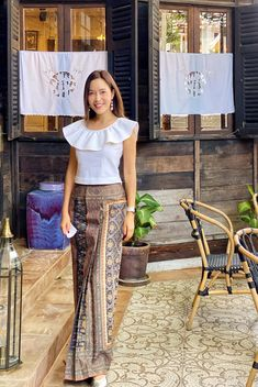 Thai Dress, Thai Style, Indoor Wedding, Kids Fashion, Womens Fashion, Kebaya, Contemporary Fashion, African Women, Traditional Dresses