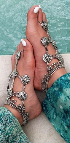 YAHPERN Anklets for Women Girls Color Beads Turquoise Drop Sequin Charm Adjustable Ankle Bracelets Set Boho Multilayer Beach Foot Jewelry (Gold) – Fine Jewelry & Collectibles Ethnic Jewelry, Bohemian Jewelry, Fashion Necklace, Fashion Jewelry, Estilo Boho Chic, Bling, Ankle Bracelets, Silver Bracelets, Silver Earrings