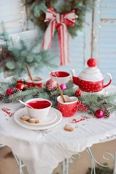 Image about cute in Christmas 2019 🎅 by ℓυηα мι αηgєℓ ♡ Christmas Tea Party, Christmas Coffee, Christmas Kitchen, Country Christmas, Christmas Holidays, Christmas Wedding, White Christmas, Tea Party Table, Illustration Noel