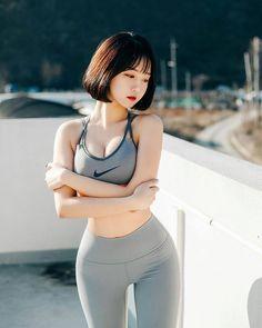 ( *`ω´) ιf you dᎾℕ't lιkє Ꮗhat you sєє❤, plєᎯsє bє kιnd Ꭿℕd just movє ᎯlᎾng. Cute Asian Girls, Cute Girls, Just Girl Things, Female Poses, Beautiful Asian Women, Sport Girl, Japanese Girl, Asian Woman, Girl Photos