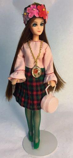 Vintage Topper Dawn Doll Longlocks/P17 In Clone Dress w/Custom Necklace & Hat