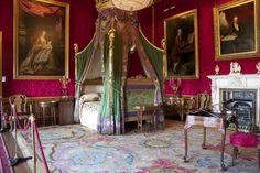 Kid's Bedroom at Windsor Castle, UK Castle Bedroom, Castle Wall, Inside Windsor Castle, Windsor Palace, Royal Palace, Inside Castles, Monumental Architecture, Royal Bedroom, Royal Furniture