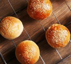 Αφράτα ψωμάκια για μπέργκερ και σάντουιτς Hamburger, Bread, Cooking, Food, Kitchen, Cuisine, Hamburgers, Koken, Breads