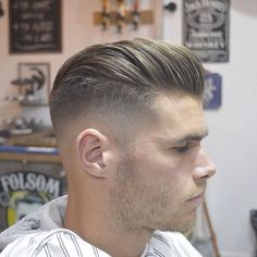 kahlen Fade Mittellanges Haar Pomp #men #hairstyles #models #frisuren #Männer