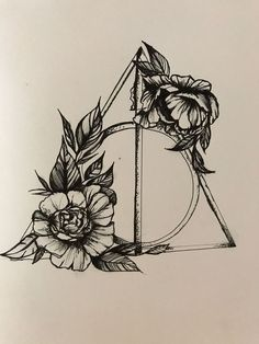Harry Potter Deathly Hallows with florals tatoo Harry Potter Heiligtümer des Todes mit Blumenmotiven Tattoo Tod, Hp Tattoo, Compass Tattoo, Tattoo Quotes, Tattoo Thigh, Tiny Tattoo, Tattoo Fonts, Harry Potter Deathly Hallows, Harry Potter Art