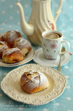 Sweet roses with cheese and almonds Choux Pastry, Romanian Food, Cookie Pie, Healthy Sweets, Croissant, Sweet Bread, Pretzel Bites, Coffee Cake, Food Inspiration