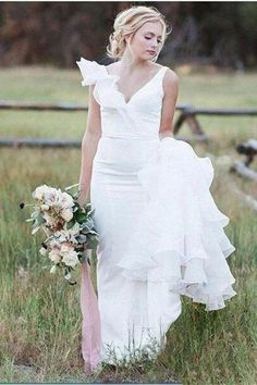 Buy V Neck Backless Mermaid Chiffon White Wedding Dresses Long Simple Bridal Dresses in uk.Rock one of the season's hottest looks in a burgundy homecoming dress or choose a timeless classic little black dress. Simple Bridal Dresses, Long Wedding Dresses, Cheap Wedding Dress, Wedding Gowns, Backless Wedding, Bridal Gowns, Burgundy Homecoming Dresses, Girls Dresses, Flower Girl Dresses