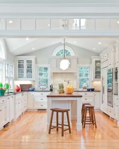 I think I like white kitchens because it makes me feel they are cleaner.