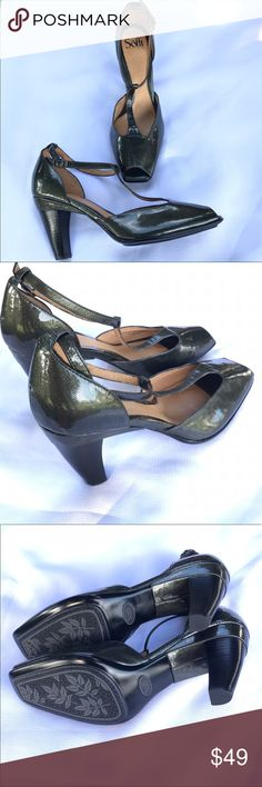 Sofft Leather T-Strap Peep Toe Heels Sandals Very Stylish & Comfortable Sandals. SOFFT Leather Peep Toe T- Strap Sandals. Size 10. Pewter in color. New Without Boxes Sofft Shoes Heels