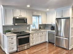 Modern Kitchen Design, Interior Design Kitchen, Kitchen Layout Design, Square Kitchen Layout, Small Kitchen Layouts, Small Kitchen Makeovers, Small Kitchen Renovations, Small Kitchen Designs, Small Kitchen Redo