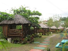 These are Nipa Huts from my country (Philippines) are made out of bamboo. These things are awesome! Best place to spend your relaxation time. I wish we have one in our yard. Beautiful Homes, Beautiful Places, Hut House, Philippine Houses, Bahay Kubo, Tropical Houses, Farm Gardens, Humble Abode, Ideal Home