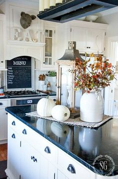 9 Astounding Cool Tips: French Home Decor Front Porches home decor apartment minimalist.Home Decor Living Room Brown home decor inspiration awesome.Home Decor Living Room Brown. Fall Home Decor, Autumn Home, Diy Home Decor, Diy Autumn, Fal Decor, Autumn Ideas, Kitchen Island Decor, Kitchen Islands, Kitchen Styling