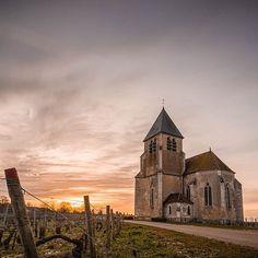 For everything Burgundy, visit www.laurabradbury.com     #burgundy #france #vineyards       En passant par préhy. .  .  #hello_france #best_focus #topfrancephoto  #unlimitedfrance #bns_france #super_france  #igscglobal #loves_united_earth #scape_captures Burgundy France, Hello France, Source Of Inspiration, Photos, Earth, World, En Passant, Pictures, The World
