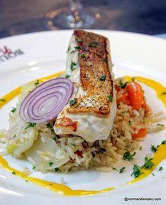 Filet de merlu et riz sauté aux légumes au restaurant Le Bouchon Normand à Le Havre