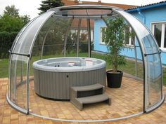 whirlpool im garten Jacuzzi in the garden - treat yourself to this special kind of relaxation - whirlpool in the garden glass dome - Jacuzzi Outdoor, Outdoor Spa, Indoor Outdoor, Outdoor Living, Diy Backyard Fence, Hot Tub Gazebo, Hot Tub Garden, Balkon Design, Fence Design