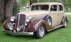 Love this antique car!