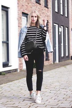 Anita VDH - Subdued Black Ripped Ankle Jeans, Subdued Oversized Denim Jacket, Adidas Stan Smith, Next Blue Shoulder Bag, Zara Striped Oversized Sweater - Day Off With Stripes Fall Winter Outfits, Autumn Winter Fashion, Spring Outfits, Spring Ootd, Adidas Stan Smith Outfit, Oversized Denim Jacket Outfit, All Star, Mode Inspiration, Fashion Inspiration