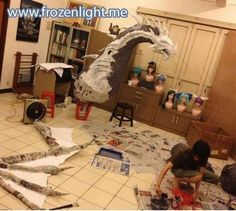 Halloween [cool, awesome, diy, home made, HOW TO: Create an EPIC Home Made Dragon] Halloween Projects, Halloween Crafts, Halloween Decorations, Cosplay Tutorial, Cosplay Diy, Crafty Projects, Projects To Try, Fun Crafts, Paper Crafts