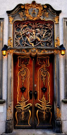 expecttheunexpectedtoday:  expecttheunexpectedtoday Gdansk, Poland  #door  #architecture by Roman Art