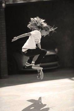 DaisyKnights // Skater girl in black and white