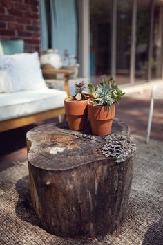 Outdoor Stump Table DIY