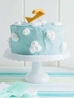 Heavenly blue-skies cake | 10 Delightfully Delicious Cakes - Tinyme Blog