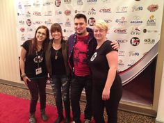 Maxime et Joannie Benoit en compagnie de Ginette et Isabelle, animatrices de BO FM sur le Tapis Rouge de la Francofete en Acadie !