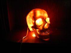 Crâne lampe veilleuse inspiré par Bob le crâne par ThePeachyGeek