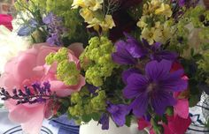 Sussex Flower Farm, Wiston - wedding flowers by the bucket