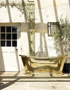 The soft reflective glow of gleaming polished brass creates an opulent feel to a luxury bathroom setting. Thomas Crapper, Cast Iron Bath, Copper Bath, Traditional Baths, Roll Top Bath, Cast Iron Radiators, Brass Bathroom, Architectural Antiques, Bathroom Furniture