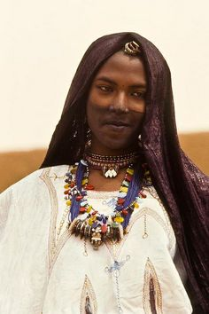 Africa |  Tuareg woman photographed in Goa, Mali.  Image Credit Georges Courreges.