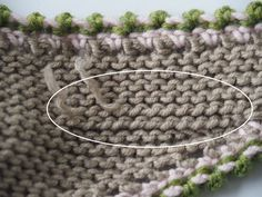 Seit einiger Zeit verwebe ich die Fäden, anstatt sie zu vernähen For some time I weave the threads, instead of sewing them The post For some time I weave the threads, instead of sewing them appeared first on Embroidery and Stitching. Crochet Blanket Patterns, Crochet Stitches, Knitting Patterns, Knit Crochet, Afghan Patterns, Knitting Charts, Amigurumi Patterns, Knitting Needles, Baby Knitting
