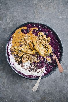 Blueberry Chia with Banana Sesame Brittle