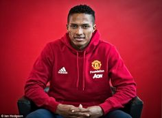 Manchester United's versatile Antonio Valencia says playing for the club is still a dream Transfer Switch, Fulham, Free Agent, Old Trafford, Man United, Newcastle, Manchester United, Premier League, Valencia