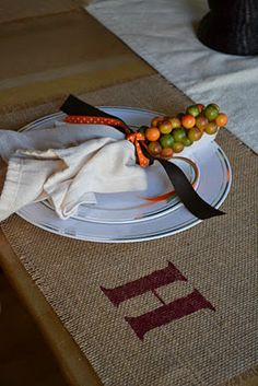 Easy No-Sew Burlap Placemats