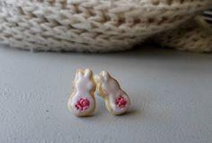 Cute easter bunny cookie stud earrings , spring polymer clay miniature sweet food jewelry ETSY STORE LINK: www.etsy.com/listing/270102972/bunny-cookie-stud-earrings-pink-easter