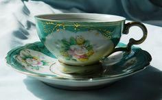 Vintage, Tea Cup and Saucer, Made in Japan. via Etsy. Mad Hatter Tea, Tea Art, China Tea Cups, Rose Tea, My Cup Of Tea, Chocolate Pots, Tea Cup Saucer, Vintage Tea, High Tea