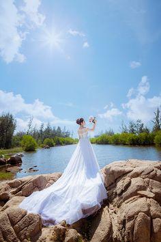 Follow Niagara Wedding Helper on Instagram!  An Online Wedding Planning Resource and Wedding Directory for the Niagara and surrounding area! NiagaraWeddingHelper.com