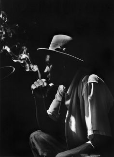 howtoseewithoutacamera:  by Gordon Parks Untitled, Harlem, New York 1948.