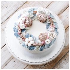 It's winter wreath christmas cake. We will send the cake on Dec Buttercream Korean Flowers Buttercream Korean Buttercream Flower, Buttercream Flower Cake, Cake Icing, Pretty Cakes, Beautiful Cakes, Amazing Cakes, Bolo Floral, Floral Cake, Cupcakes