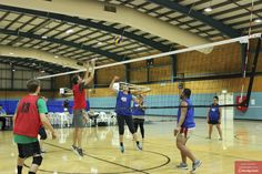 Volleyball play and learn tonight at 5pm at Coomera Indoor sports Centre.  http://www.aehiqld.com/coomera-volleyball