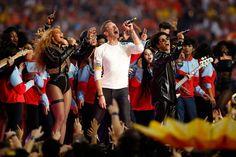 Beyonce & Bruno Mars Join Coldplay Frontman Chris Martin At Super Bowl 50 Halftime Bruno Mars Beyonce, Lisa Haven, Blue Ivy Carter, Halftime Show, Uptown Funk, Music Hits, Chris Martin, Celebrity News, Beyonce Photoshoot